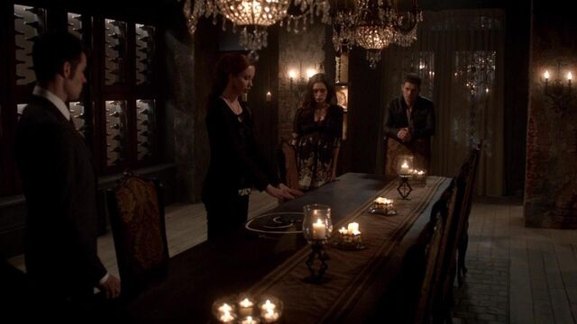 File:The Originals S01E21 mkv1396.jpg