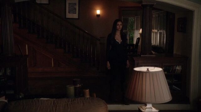 File:TVD4x15-Gilbert House 16.jpg