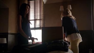 File:Elena and Caroline 5x2.png