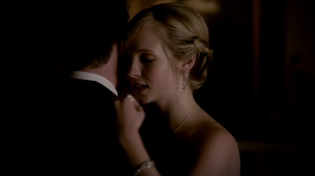 File:Tyler and Caroline 4x19.png