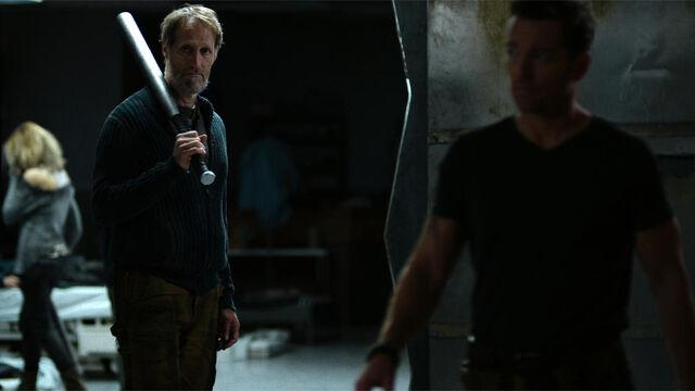 File:Help Me 1x01 Sam with his signature bat.jpg