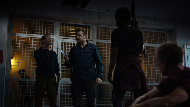 File:Stay Inside 1x03 The Survivors by the cage (John, Flesh, Doc, Mohamad and Sam).jpg