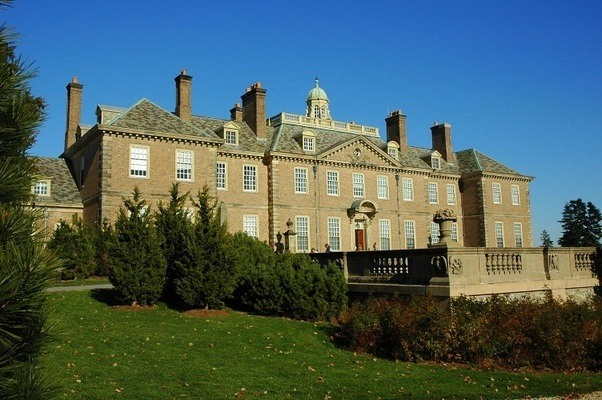 File:Foxworth hall mansion.jpg