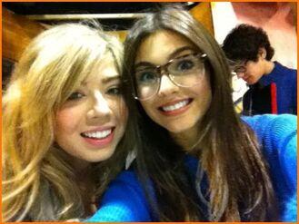 Victoria + jenn