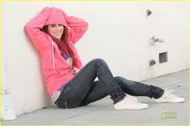 File:Ariana35.jpg