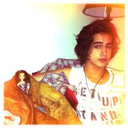 Aww Avan covered Tori with his jacket