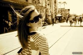 File:Ariana45.jpg