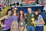 Daniella+Monet+Ariana+Grande+Kevin+Steffiana+608Vj-W82O3l