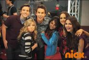 IParty-with-Victorious-Behind-The-Scenes-3
