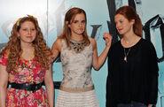 Emma+Watson+Bonnie+Wright+Harry+Potter+Half+NGuMvJh4-bql