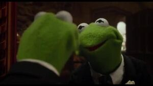 "Muppets Most Wanted - ""Mirror"" Clip"