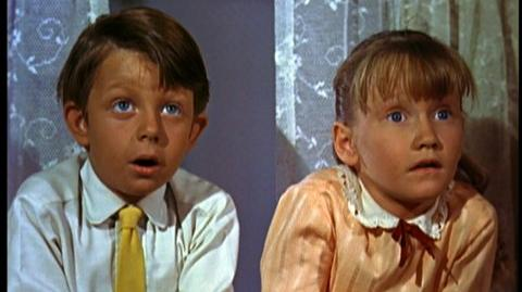 Mary Poppins 45th Anniversary Edition (1964) - Clip Mary Poppins arrives