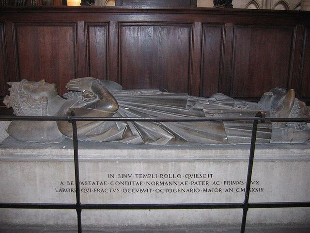 File:800px-Grave of Rollo of Normandy.jpg