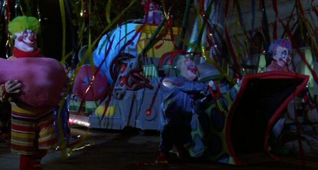 File:Killer Klowns Parade.JPG