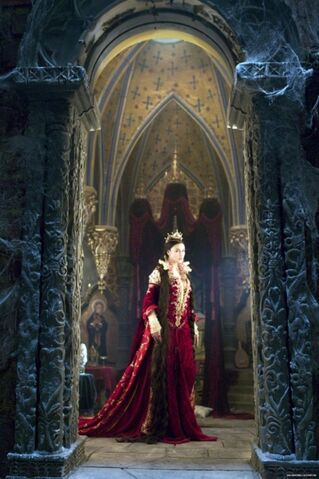 File:Monica Bellucci as Toringian Queen.jpg