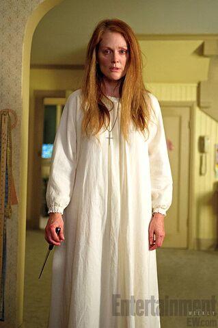 File:Carrie-remake-julianne-moore.jpg