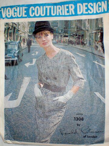 File:Vogue 1308 image2.JPG