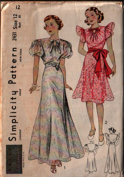 Simplicity 2431 front