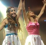 Cande and Tini En Vivo!