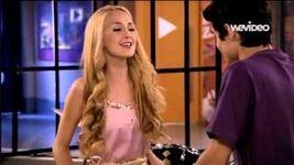 Tomila singing