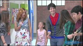 "Violetta 3 - Los chicos cantan ""On Beat"" - Episodio 74 Disney HD Argentina"