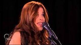 Camila singing Veo Veo