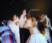 Leonetta kisssssssss