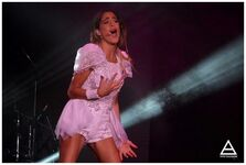 Tini hand son tour