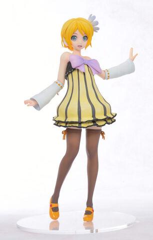 File:Colorful x Melody figurine 2.jpg