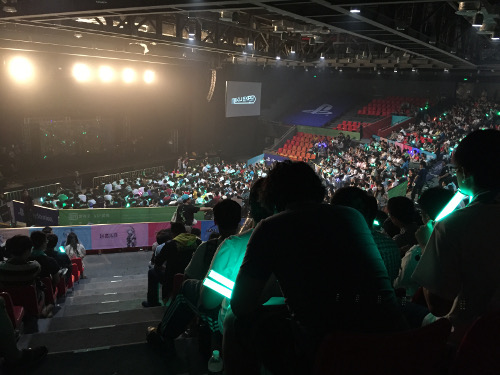 File:MikuExpo Shanghai crowd.jpg