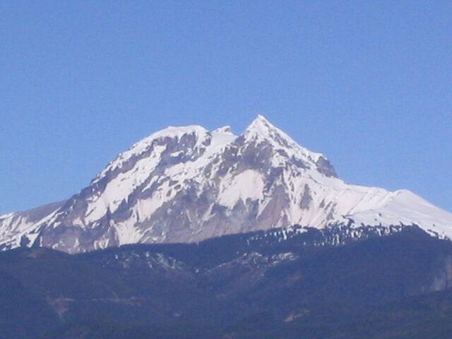 File:Mount Garibaldi.jpg