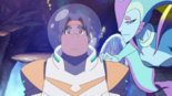 Queen Luxia is hypnotized Hunk