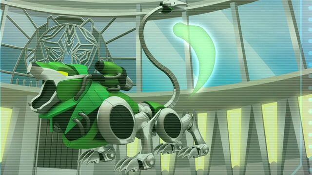 File:Lion Tail 03 Green 03282012.JPG