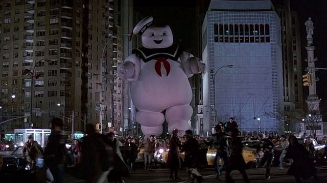 File:Stay-Puft-Marshmallow-Man-Attacks-New-York-City-Ghostbusters.jpg
