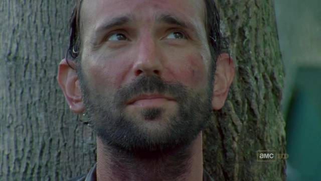 File:The-Walking-Dead-1x04-Vatos-Jim-Cap-02 mid.jpg