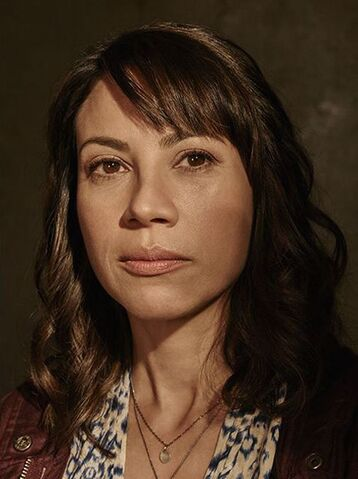 File:Fear-the-walking-dead-season-1-liza-rodriguez-cast-portrait-658.jpg