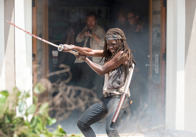 File:AMC 603 Michonne Escapes Store.png