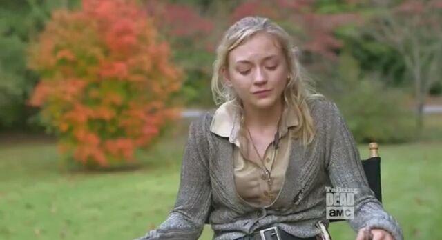 File:Emily Kinney crying in Scott Wilson tribute 2.JPG