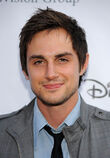 Andrew J West Disney ABC Television Group 6wdlaheOld4x