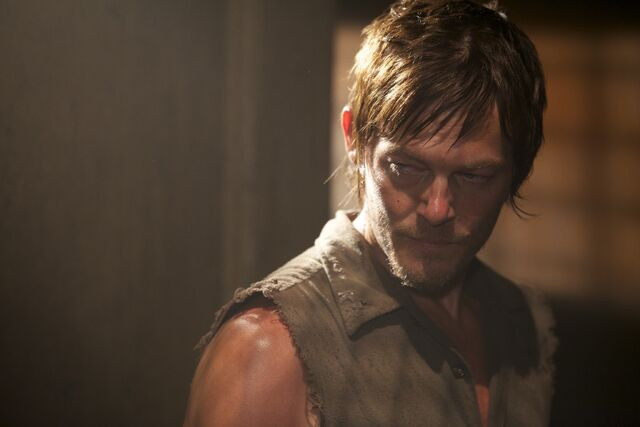 File:Daryl Hounded 2.jpg