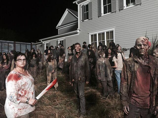 File:Olivia vs zombies.jpg