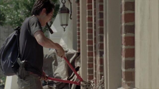File:The Walking Dead S03E06 1770.jpg