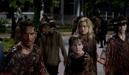 Rick-Sam-Jessie-Carl-The-Walking-Dead-609