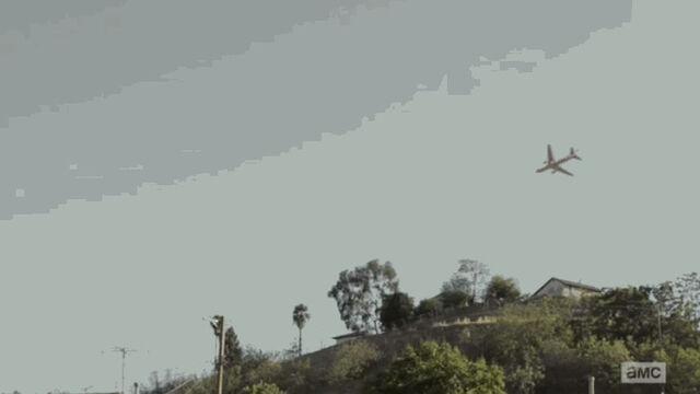 File:Brand-new-fear-the-walking-dead-flight-462-web-series-to-begin-next-week-a-plane-was-636002.jpg