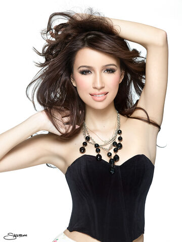 File:ChristianSerratoJewelry 00457.jpg