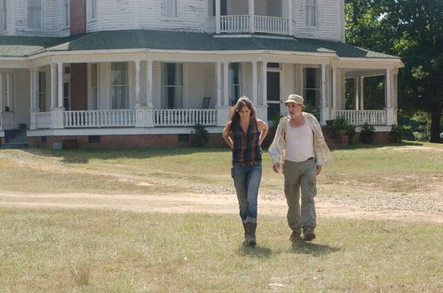 File:Lori and Dale 2x08.jpg