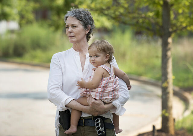 File:The-walking-dead-season-6-first-look-carol-mcbride-935.jpg