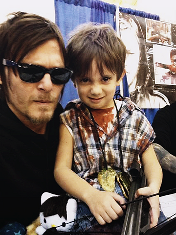 File:Reedus and Child.png
