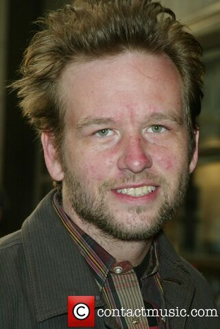 File:Dallas roberts 5133062.jpg