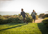 FTWD Alicia and Chris running